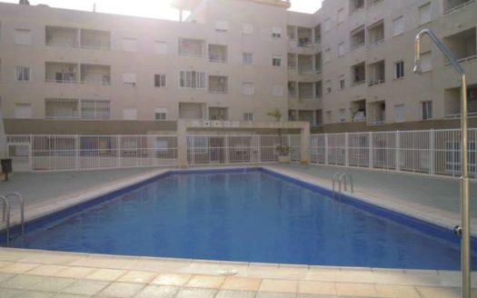 Piękny apartament w Torrevieja 1500m od morza (24)