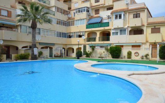 Mieszkanie z basenem w Hiszpanii na sprzedaż