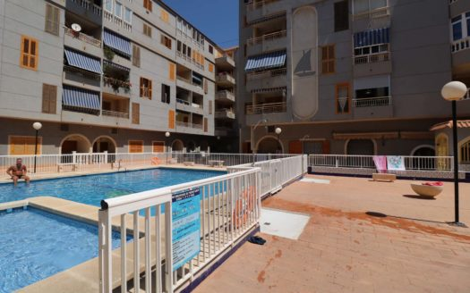 Mieszkanie w Hiszpanii nad morzem na sprzedaż - tylko 100m do morza za 52500€