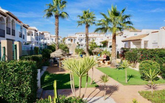Nieruchomości w Hiszpanii - Dom Bliźniaczy w La Ciñuelica