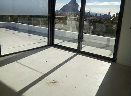 Luksusowe nieruchomości w Hiszpanii w Calpe z widokiem na morze