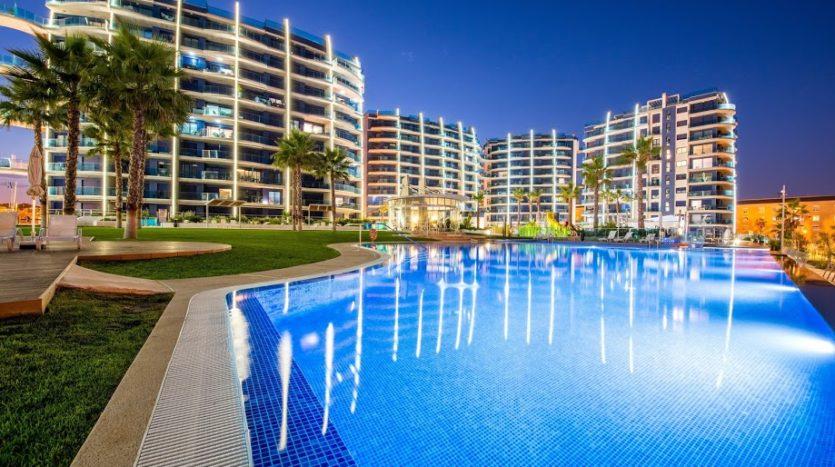 Apartament w Hiszpanii w pierwszej linii brzegowej