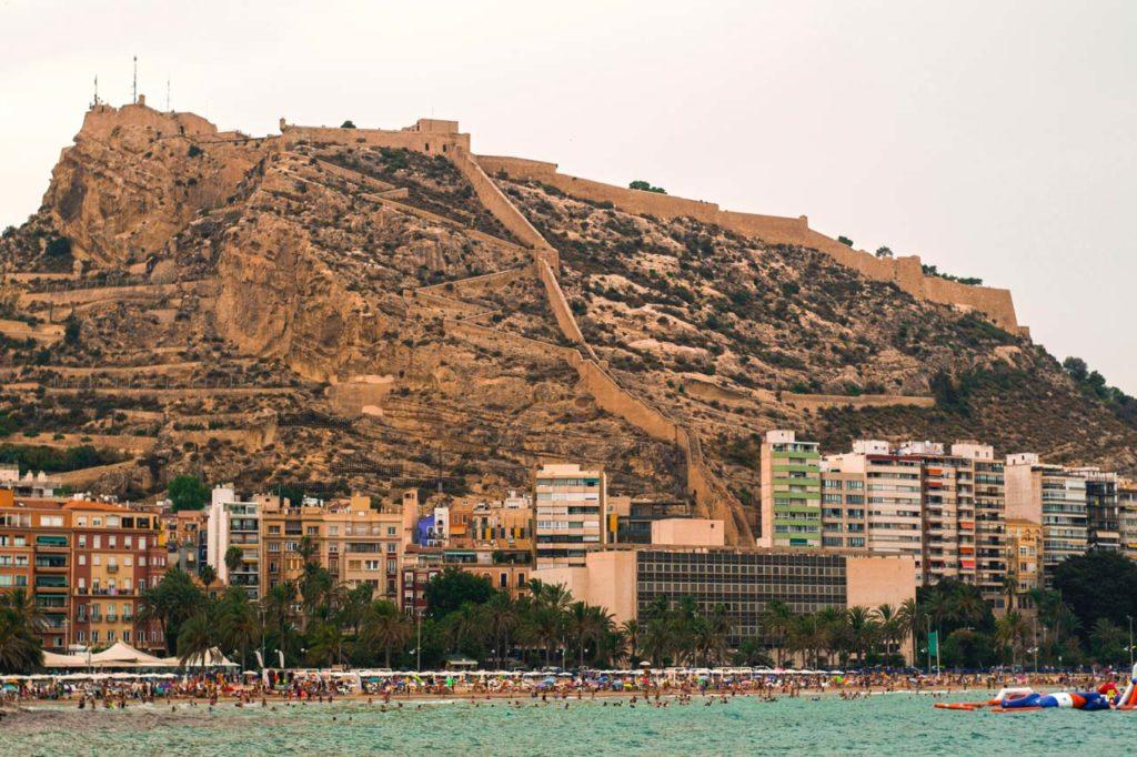 Hotele w Alicante przy plaży.